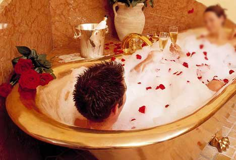 Cena esclusiva e romantica a milano,milano cene romantiche,limousine tour romantico,milano ristorante romantico,ristoranti romantici milano, serata romantica milano